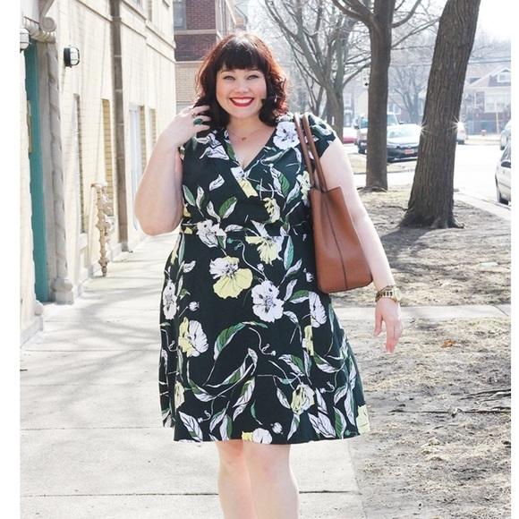 Classiques Entier Dresses & Skirts - Classiques Entier Floral Dress